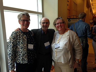 Left to right Cathy Gordon(chair of ACPTMD ), Jeff Mannheimer( chair of the PTBCCT and Marianne Gerritis ( chair of NVOF)